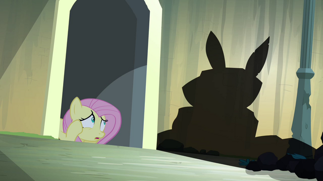 "File:Fluttershy sees ""Angel"" shadow S4E03.png"