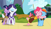 Twilight, Rarity, Pinkie, and Rainbow singing S02E11