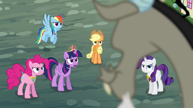 File:Twilight demands Discord's help S4E01.png