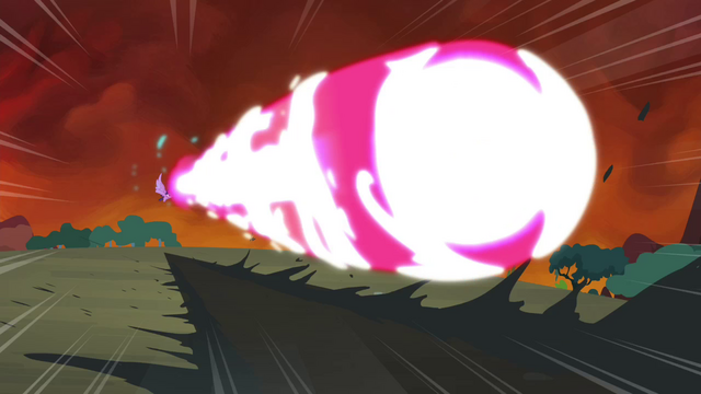 File:Twilight shoots out a magic beam S4E26.png