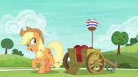 Applejack tells Pinkie to keep it up S6E18