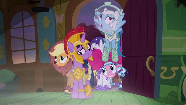 File:Rainbow Dash sighing heavily S5E21.png