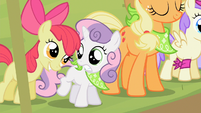 Sweetie Belle startled by Apple Bloom S2E05