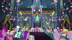 Ponies sing together in the Castle of Friendship S6E8.png