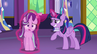 Twilight dragging Starlight toward her S6E6