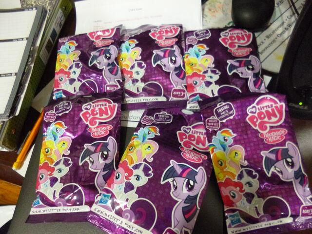 File:6 MLP FiM blind bags.jpg