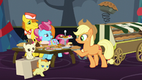 Applejack 'Cakes and pastries we shall bring' S06E08