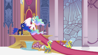 Celestia and Luna in throne room S4 opening