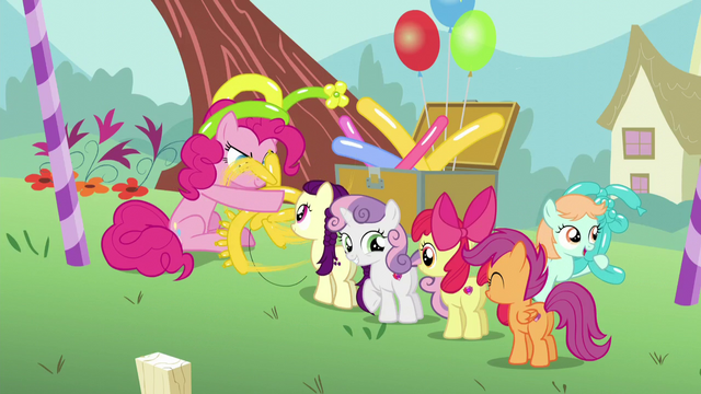 File:Pinkie making a balloon animal for Boysenberry S5E19.png