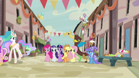 Discord talks with Trixie as Mane Six join the party S6E26