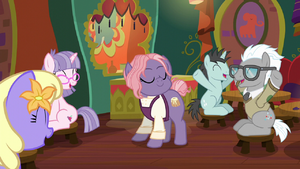 Ponies cheering for Matronly Pony S6E12
