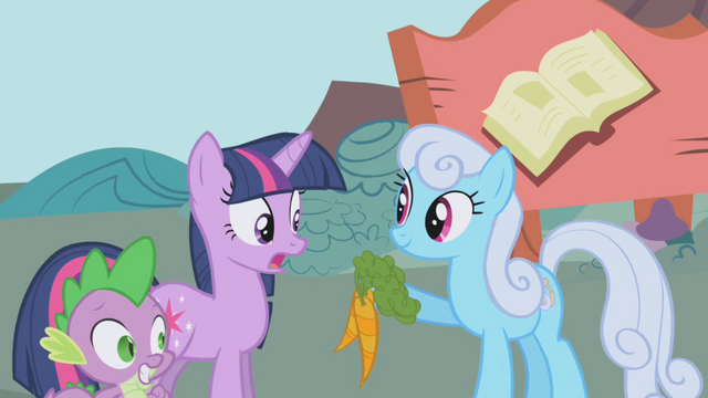 File:Shoeshine offers Twilight Sparkle carrots S1E03.png