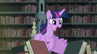 Twilight hovering while excited over all the books 2 S4E03