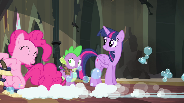 "File:Pinkie Pie ""don't worry about it, Spike"" S4E06.png"