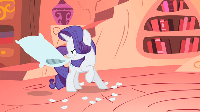 File:Rarity with a pillow S1E08.png