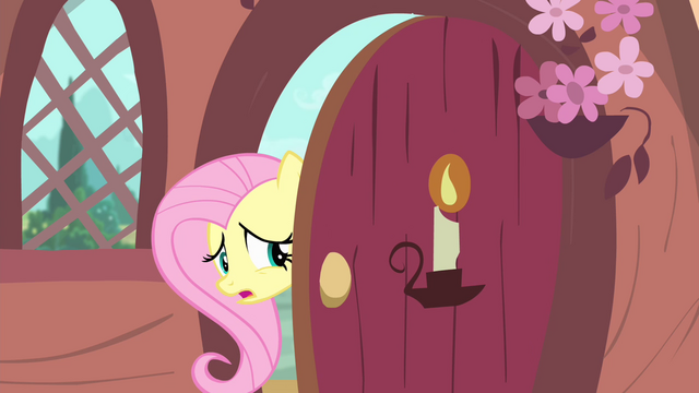 File:Fluttershy at the door S4E11.png