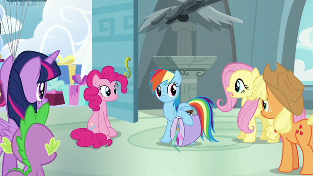File:Main five listening to Fluttershy S6E7.png