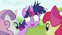 "Twilight Sparkle ""She even comes"" S2E03"