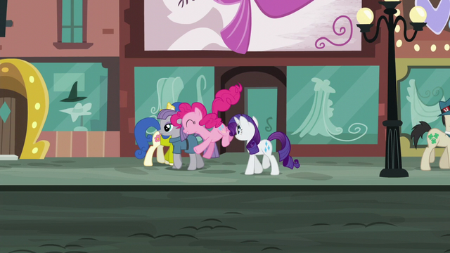 File:Pinkie hops while in the middle of walking S6E3.png