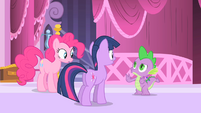 Spike talks to Pinkie and Twilight S1E20
