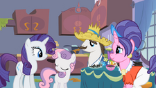 Rarity with her family S2E5.png