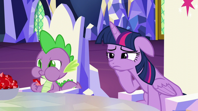 File:Spike eating rubies in the throne room S5E22.png