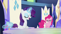 Rarity dumps potion out of her cup S5E22