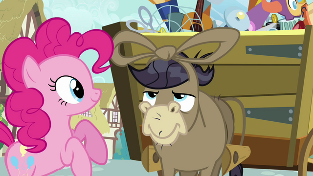 File:Pinkie Pie Make Friends With YOU S02E18.png