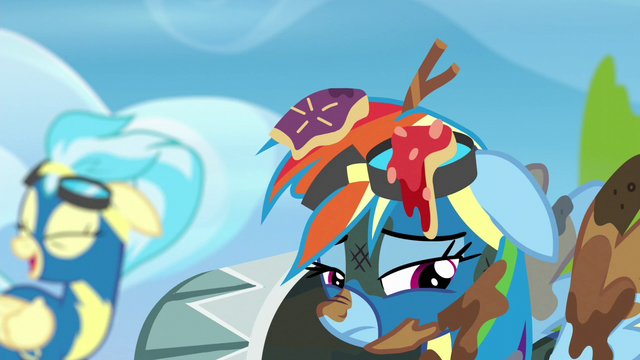 File:Rainbow remembering flight school S6E7.png