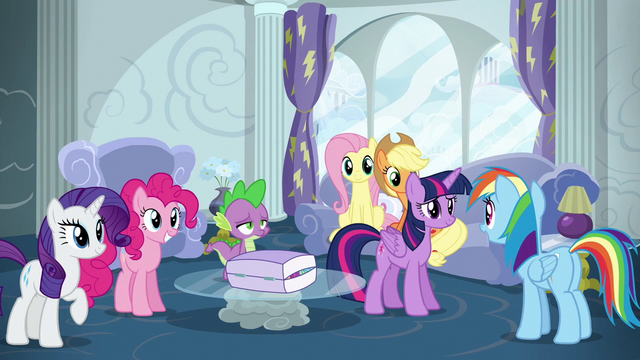 File:Rainbow Dash talking with her friends S6E7.png