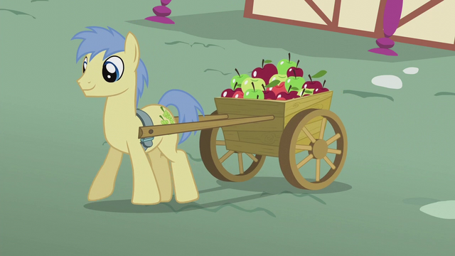 File:Goldengrape pulling cart of apples S5E18.png