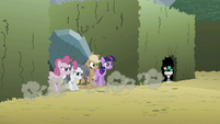 Pinkie Pie, Rarity, Applejack and Twilight S2E01