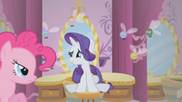 Rarity relieved by Pinkie Pie's presence S1E10