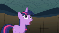 Twilight gets horn back S2E01
