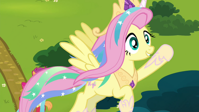 File:Fluttershy dressed as Princess Celestia S4E21.png