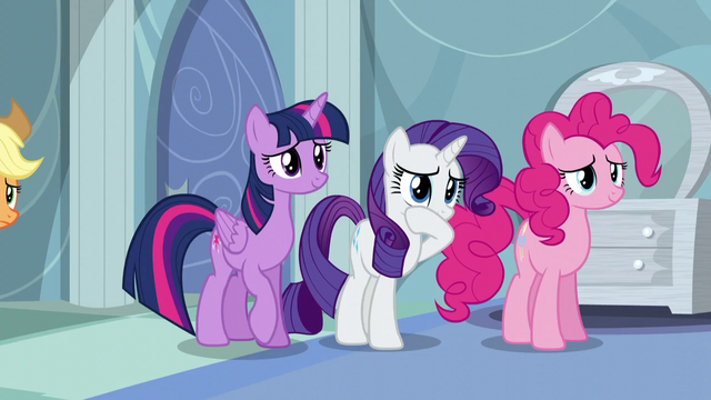 File:Twilight, Rarity, and Pinkie back away from Rainbow S5E5.png