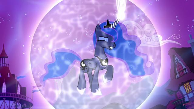 File:Princess Luna in a magic bubble S5E13.png