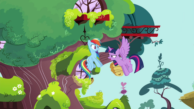 "File:Twilight ""Do you know Princess Celestia's favorite flight pattern?"" S4E21.png"