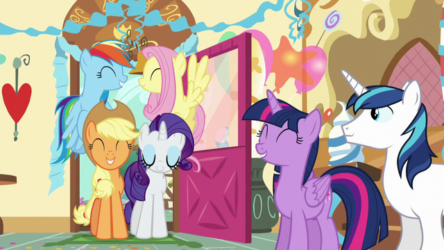 "File:Twilight ""I got to share it with my best friends!"" S5E19.png"