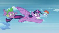 Spike waving to Rainbow Dash S5E25