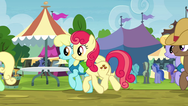 File:Line of ponies moving along S4E22.png