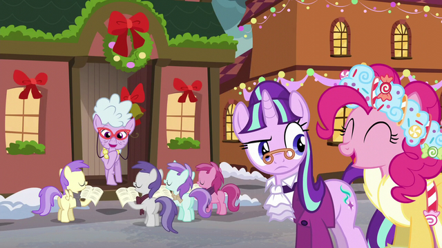 File:Fillies caroling for Chelsea Porcelain S6E8.png