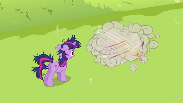 File:Twilight Sparkle looking at CMC fighting 2 S2E03.png