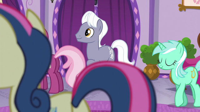 File:Ponies in the Ponyville Day Spa S6E10.png