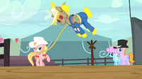 Ponies watching roping contest S5E6