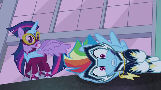 File:Rainbow Dash frozen S4E06.png