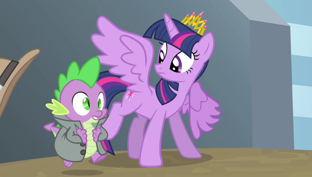 File:Spike running onto the field S4E24.png
