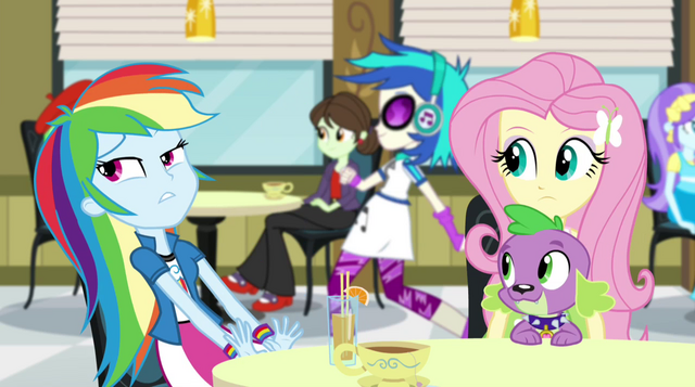 File:DJ Pon-3 crosses in the background EG2.png
