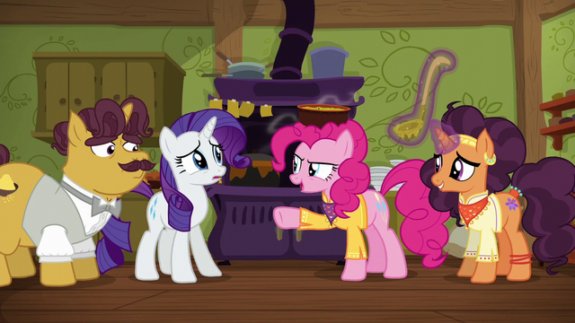 """File:Pinkie Pie """"I'm taking this out there!"""" S6E12.png"""