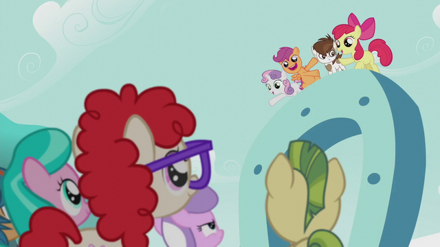 File:Students listening to the CMC S5E18.png